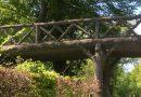 Betonnen boomstammenbrug Kasteel de Haar